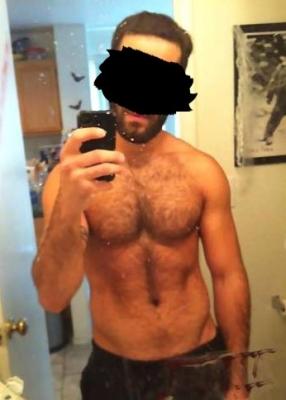 http://www.lebonpied.fr/upload/homme_sexy13.jpg